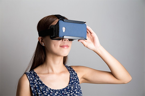 How Virtual Reality Enhances Today's Education